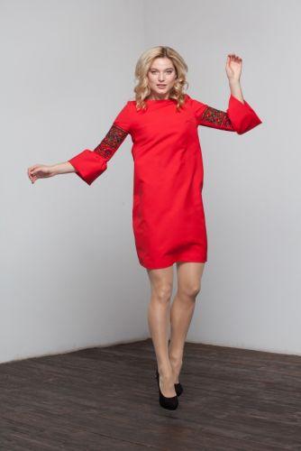 Вышитое платье - Праздничное красное