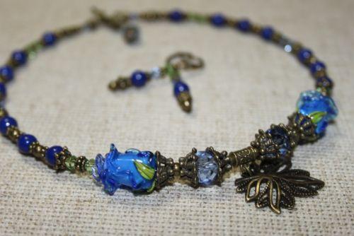 """Мини ожерелье """"Голубые розы"""""""