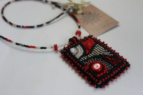 Красный кулончик