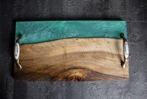 Костюк Эдуард Досточка Pride&Joy для сервировки с эпоксидной смолы и дерева (ореха) 02epxpl