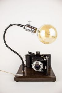 Лампи Настільна лампа PRIDE & JOY з вінтажним фотоапаратом 18GL