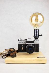 Лампи Настільна лампа PRIDE & JOY з вінтажним фотоапаратом 22GL