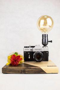 Лампи Настільна лампа PRIDE & JOY з вінтажним фотоапаратом і мохом 21GLM