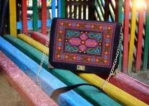 Чёрная замшевая сумка Сумка Яркая геометрия