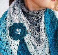 Комплект вязаная шаль и брошь-цветок на булавке