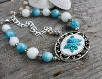 Белый голубой браслет с натуральными камнями Агат, аквамариновый кварц Бирюзовый браслет с розами