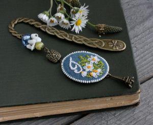 Разное Именная закладка для книг с камнями Ромашки Именной подарок на день рождения