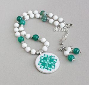 Ожерелья и колье ручной работы Зеленое ожерелье из агата