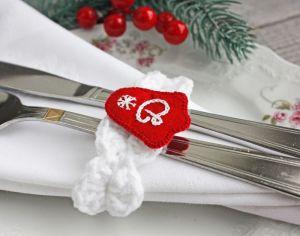 Різне Новорічні кільця для серветок іменні Новорічний декор білий червоний