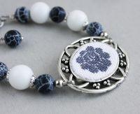 Сіро-білий елегантний браслет з агатом Туманний ранок