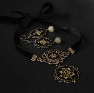 """Коцкулич Тетяна Комплект чорні сережки з агатом і кулон чокер на оксамитової стрічці """"Зоряна ніч"""""""