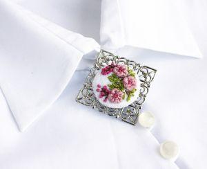 Белая брошь Брошь под воротник Цвет сакуры