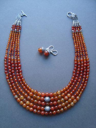 Сердоликовой ожерелье с серьгами