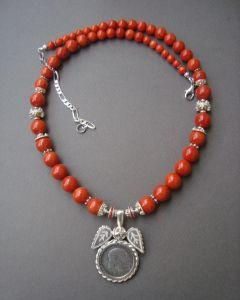 Ожерелья и колье ручной работы Низочка с дукачиком