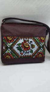 Женские сумки ручной работы Сумка женская с натуральной итальянской кожи и ручной вышивки