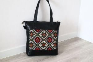 Женские сумки ручной работы Сумка из натуральной итальянской кожи и ручной вышивки