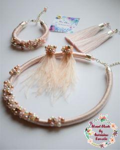 Ковалив Антонина Кольє-джгут, браслет,  сережки-кисті та сережки зі страусиного пір'я