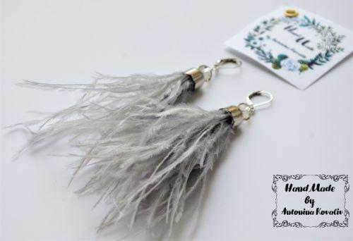 Серьги из страусиных перьев
