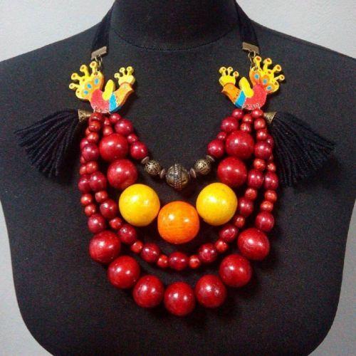 Ожерелье с петушками