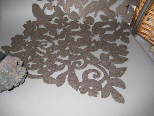 Килимок ажурний на стіл