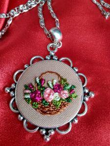 Кулоны ручной работы Кулон Корзина с цветами