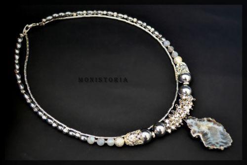 Ожерелье из гематита с друзьями агата
