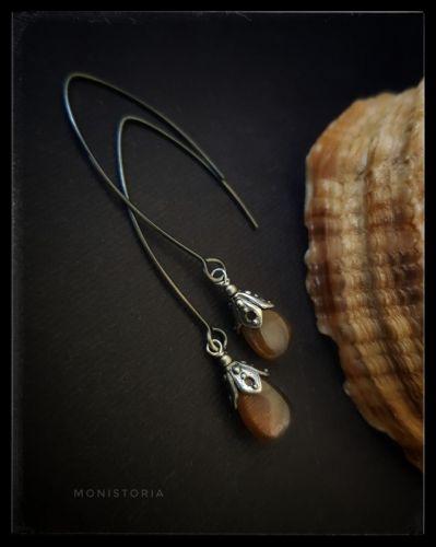 Серебряные серьги с шоколадным лунным камнем