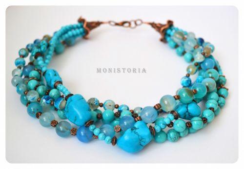 Ожерелье из бирюзы, турквениту, говлиту и агата
