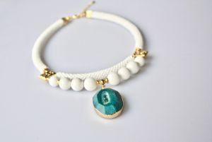 Ожерелье из бисера Роса