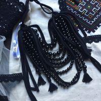 Ожерелье черное с кистями
