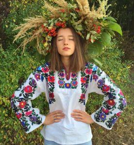 Максымив Ирина Ручная, авторская вышивка Яркое лето