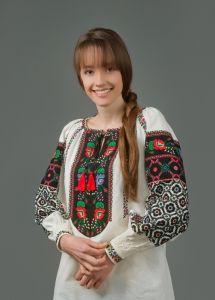 Максимів Ірина Ручна робота. Вишиванка геометричний орнамент