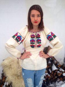 Дизайнеры Ручная авторская вышивка Веснянка