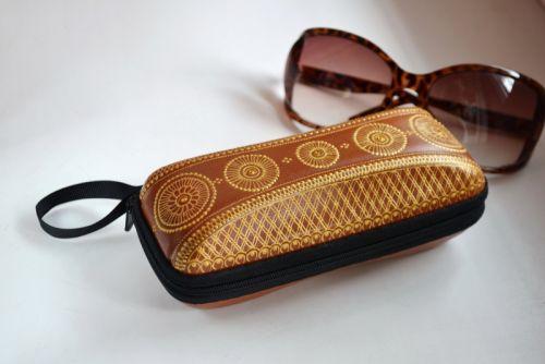Футляр для сонцезахисних окулярів Мехенді