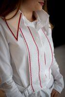 Женская вышиванка манишка с аутентичным узором