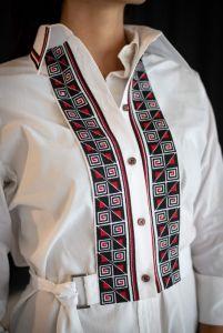 Вишиванки ручної роботи Жіноча маніжка - вишиванка з геометричним орнаментом