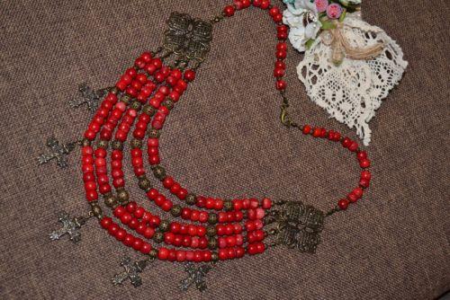 Коралловое ожерелье с згардой