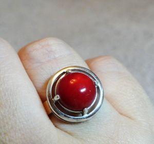 Кольца ручной работы Серебряное кольцо с кораллом