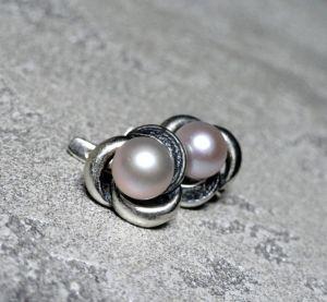 Серебряные украшения Серебряные серьги с чернением и натуральным жемчугом