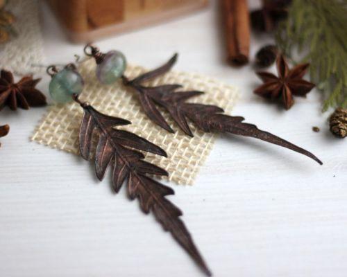 Серьги с листочками и флюоритами