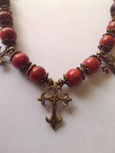 """Ожерелье из губчатого коралла """"Загадочная Пани"""""""