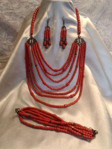 Ожерелье с браслетом и серьгами