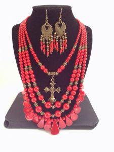 Коралловое ожерелье + серьги