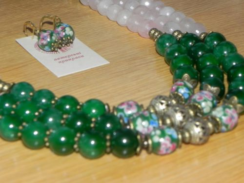 Ожерелье из нефрита и кварца