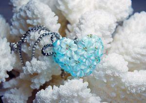 """Стеклянный кулон Кулон """"Цветы в сердце"""""""