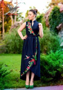 """Чорна сукня з вишивкою Сукня """"Гранатова гілка"""""""