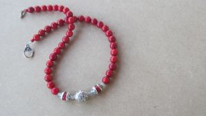 Ожерелье из коралла Коралловые бусы