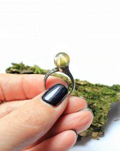 Кольца ручной работы Кольцо с розой в сфере
