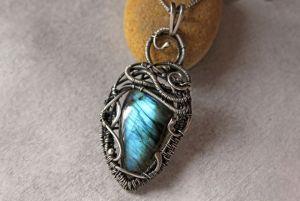 Украшение на шею Серебряный кулон с натуральным камнем лабрадоритом