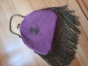 Женские сумки ручной работы Бархатная сумочка с пчелкой
